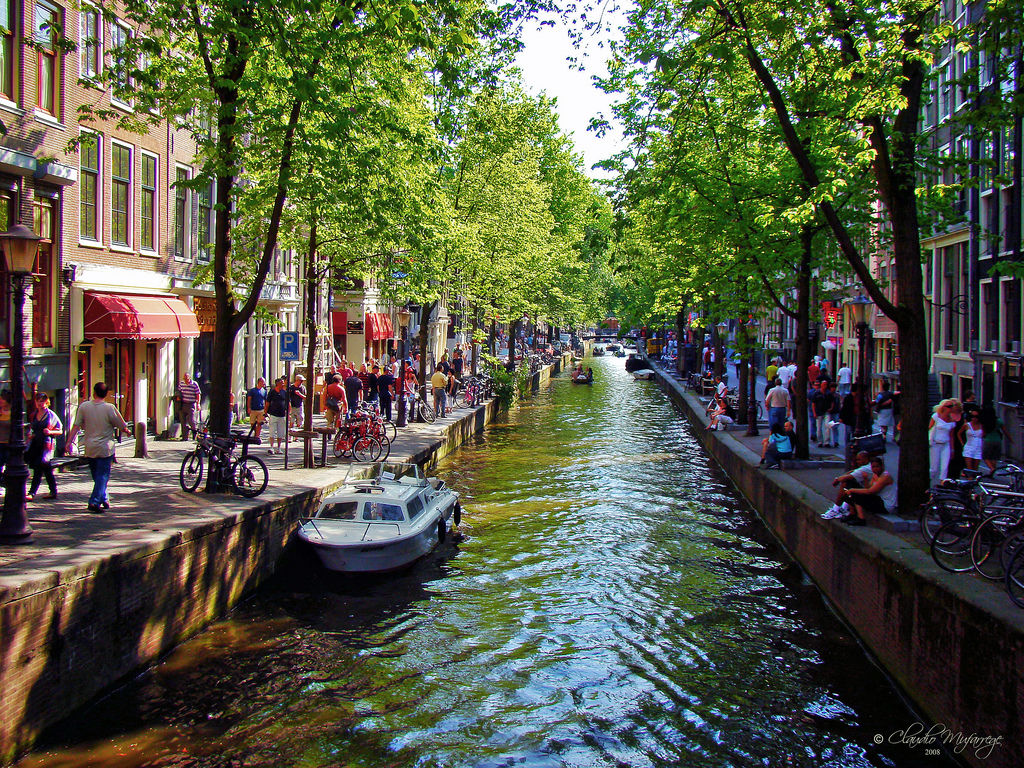 amsterdam-holland-076-spring-at-the-canal
